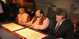 FICCI signs MoU with Toronto to facilitate Indo Canadian Co-productions