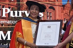 Asha bhosle with an honorary doctorate